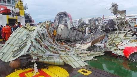Wujud Ekor AirAsia Setelah Diangkat