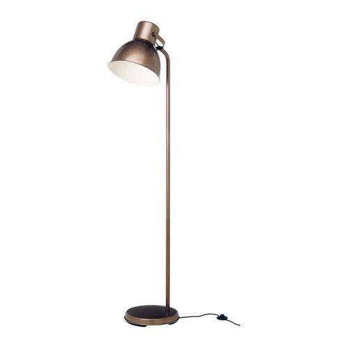 IKEA - HEKTAR, Staande lamp, , De oversized lampenkap geeft goed, geconcentreerd licht om bij te lezen en een goede algemene verlichting voor kleinere gebieden.</t><t>Door de verstelbare kop is het licht gemakkelijk te richten, bijvoorbeeld op je boek als je leest, op het plafond voor algemene verlichting of op een bepaald gebied in de kamer.