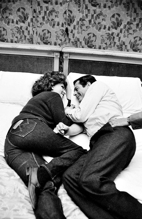 Sophia Loren and Marcello Mastroianni, 1963. These two are just too cute!!!