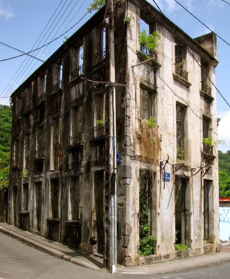 Old old buildings old building martinique sail for House structures pictures