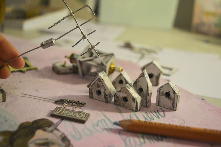 Behind of scene-creating miniature details for my diorama architect. models. #diorama #dioramamaker #designmaking #modeling #modelmaking #miniatureart