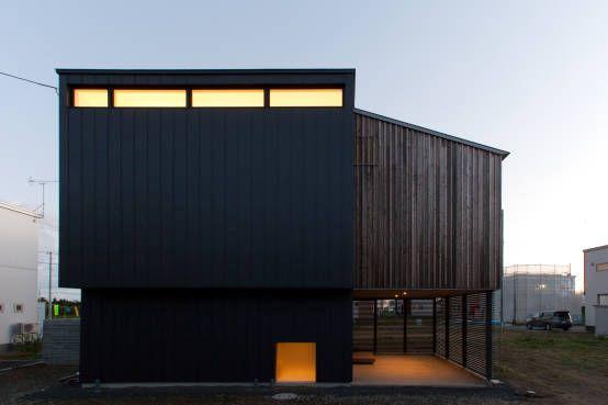一級建築士事務所(株)アトリエカーサ の モダンな 家 ファサード(夕景)