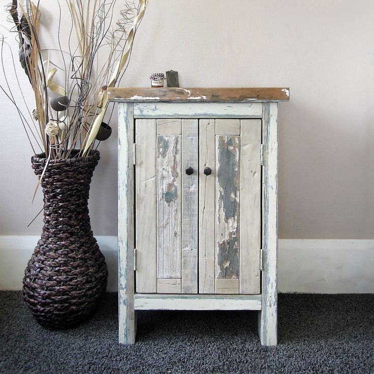 Cabinet: Coral