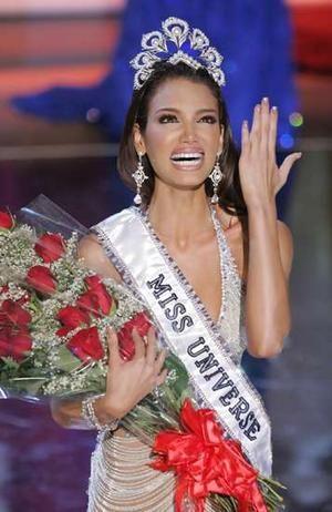 Miss Puerto Rico wins