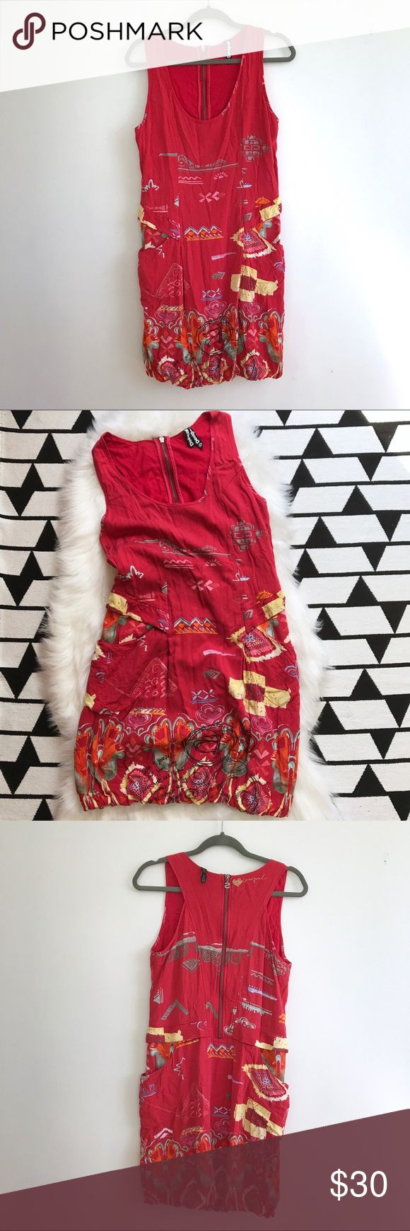 Desigual Red Bubble Scoopneck Dress EU 38 is a US Small or 6. Excellent preowned condition, no issues. front pockets. Tulip/bubble skirt. Abstract floral pattern. exposed back zipper. Desigual Dresses