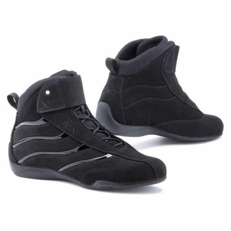 TCX X-Square Ladies Motorcycle Boots Description: The TCX X-Square Womens Motorbike Boots have a range of innovative features making it a unique boot: SPECIFICATION UPPER: Suede leather with patent leather inserts REINFORCEMENTS: Malleolus area, back counter reinforcement, ... http://bikesdirect.org.uk/tcx-x-square-ladies-motorcycle-boots-4/