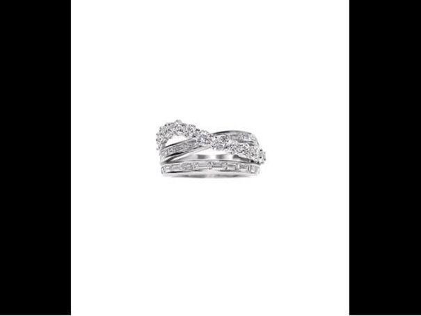 Bague de fiancailles platine diamants Harry Winston - 30 bagues de ...