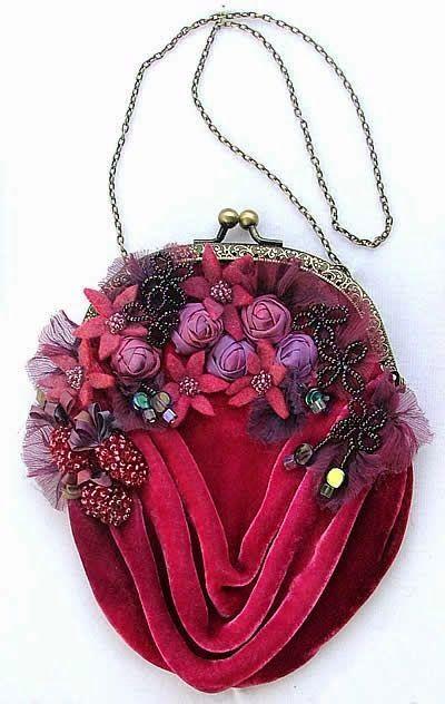 Welurowa haftowana elegancka torebka | Torby Koszyki