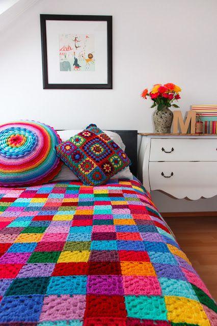 Casa de Retalhos: Festa de cores ♥ A colorful granny square blanket