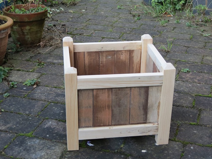 100 best images about flower pots homemade on pinterest for How to make plant pots from pallets