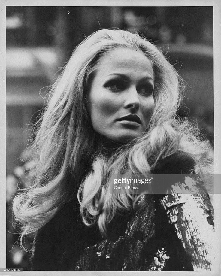 Ursula Andress at The Savoy Hotel London September 12th 1969 (820×1024)