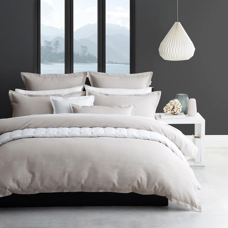 Ascot Spa is beautiful in its simplicity. Constructed from a textured waffle weave with neatly tailored edges, its range of accessories, including European pillowcases, decorative cushions and quilted coverlet, together with a versatile plain dye palette,