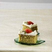 GREEN TEA JAPANESE SPONGE CAKE http://www.sajiansedap.com/mobile/detail/1792/green-tea-japanese-sponge-cake