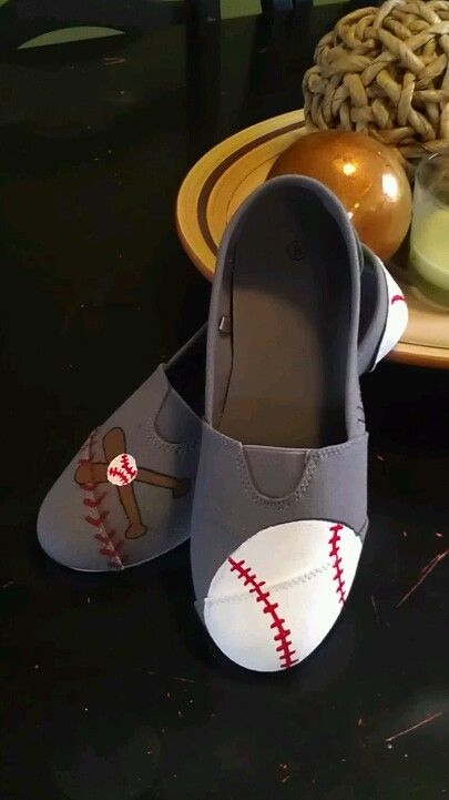 Decorating toms for baseball season!