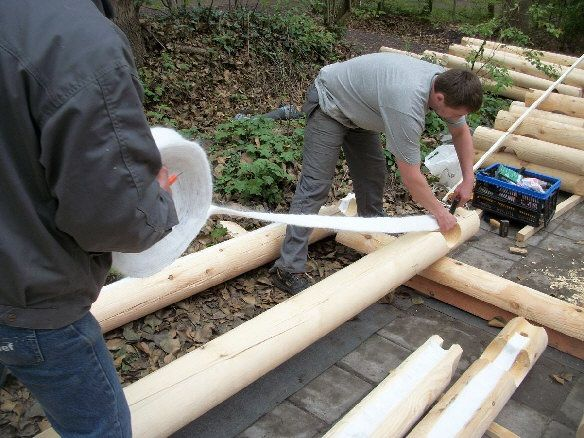 Όταν δείτε αυτό το σπίτι που έφτιαξαν από ξύλο θα πάθετε πλάκα! (Φωτογραφίες)