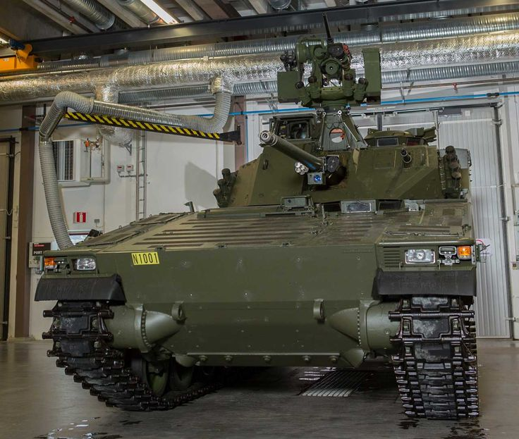 Upgraded Norwegian CV9030N. Note that this vehicle still has the old steel tracks