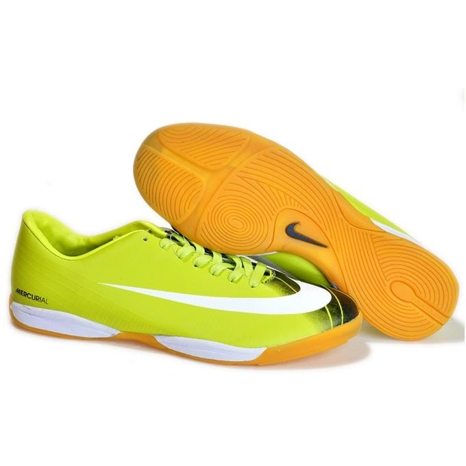 Great selection of Indoor Soccer Shoes for Kids