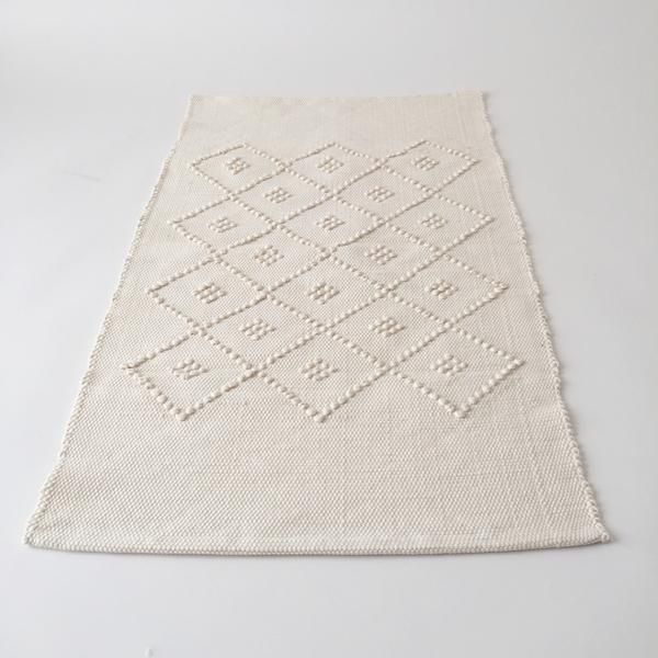 Small Hand Knotted Rug or Bath Mat | Portugal | TWENTY ONE TONNES