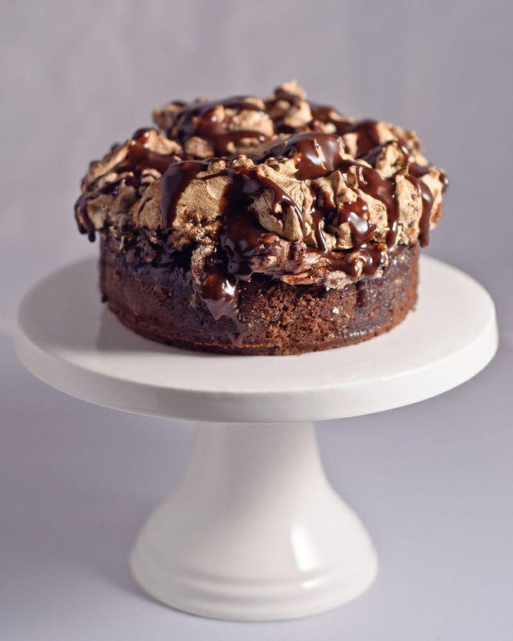 choco-hazelnut merinque cake