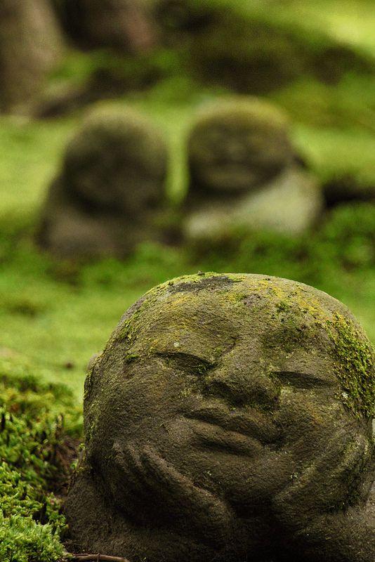 "Kyoto temple garden ""jizo"" statues かわゆいお地蔵さま | by mizuk@"