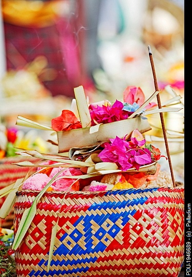 10 best bali party images on pinterest bali birthday for Agung decoration
