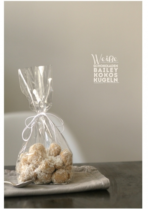 Weiße Schokoladen Baileys Kokos Kugeln