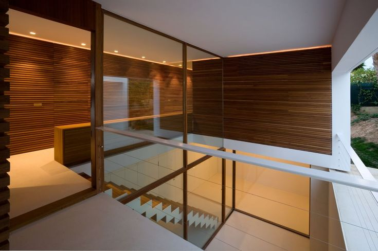 17 best images about wood wall cladding on pinterest for Minimalist house wood