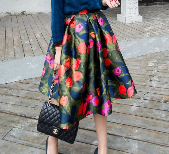 Fine Art Collection gorgeous floral oil painting puffy skirt/black shoulder designed top