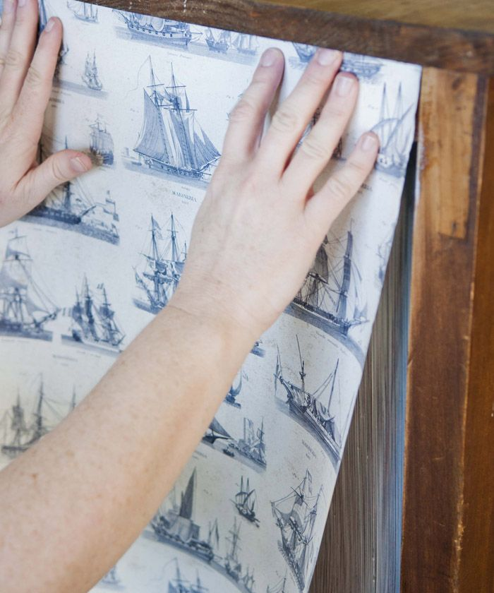 Good instructions on how to use wallpaper to modpodge an old piece of furniture.  Poppytalk: DIY Decor