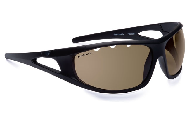 Sporty wrap with a rubber grip on the temples and brown lenses for better contrast. Eye Sport from Fastrack http://www.fastrack.in/product/p203br1/?filter=yes=india=2=23&_=1334213664321