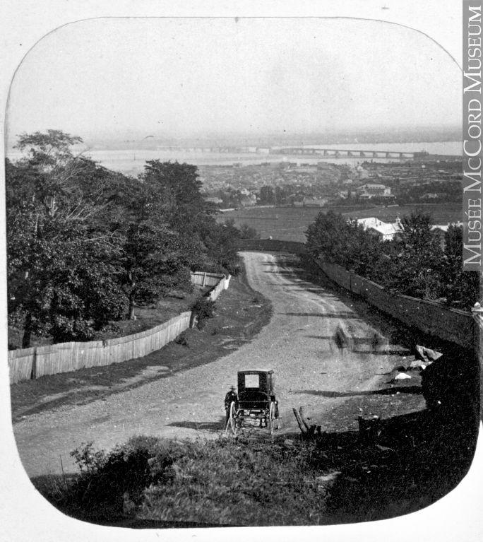 Vue de Montréal depuis la barrière de péage du chemin de la Côte-des-Neiges, QC, 1859 N-0000.193.62.1, © Musée McCord