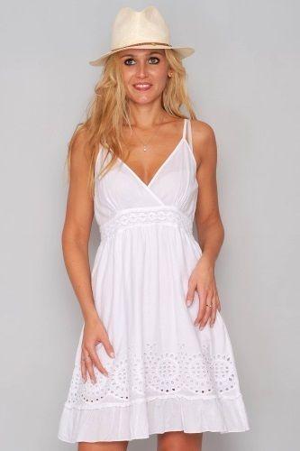 Klänning Lovable - En vit dröm! Romantisk vit kortare klänning i 100% Indisk bomull. Just flow baby!