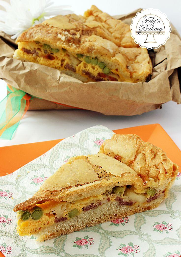 La pizza Piena Napoletana in dialetto A' Pizza Chiena è parte integrante della tradizione di Napoli e dintorni, preparata in largo anticipo e gustata durante la Pasqua le scampagnate o i pic-nick alla'aria fresca.