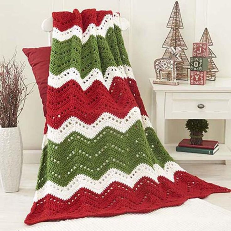 More Lovely Christmas Afghans to Crochet – 17 free patterns – Grandmother's Pattern Book – Christmas in July!