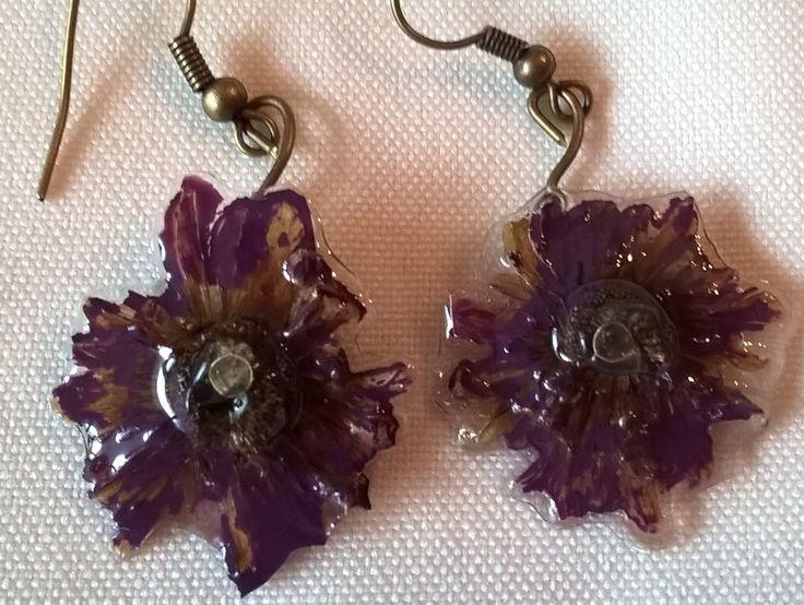 Brincos Margarida Roxos * Purple Daisy Earrings * Moda * Acessório de moda * Bijuteria * Flor * Fashion * Jewelry * Flower