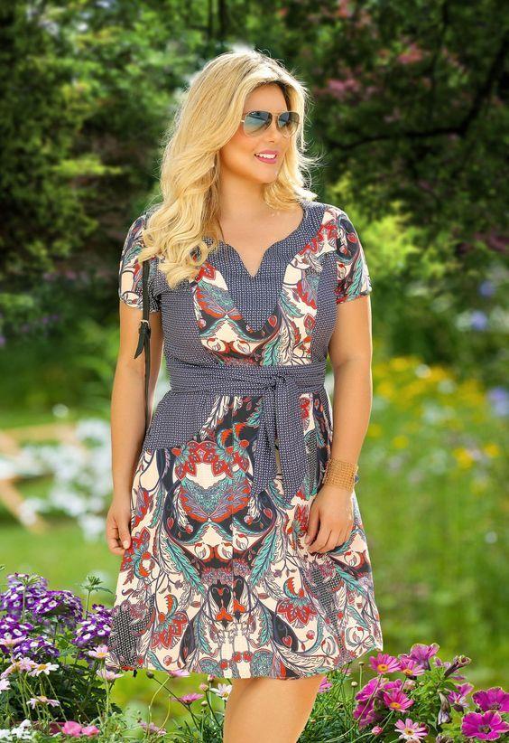 Faciniu's Moda Evangélica Primavera Verão 2016 Fascinius Moda Evangélica - A Fasciniu's Moda Evangélica iniciou suas atividades em 2000, com o objetivo de proporcionar a mulher cristã, looks que valorizem a beleza e proporcionem um novo jeito de se vestir.