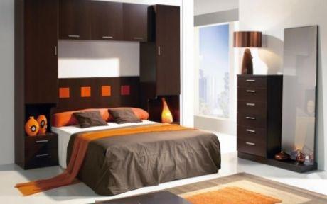 Dormitorio de matrimonio compuesto por cabecero 2 for Dormitorio wengue