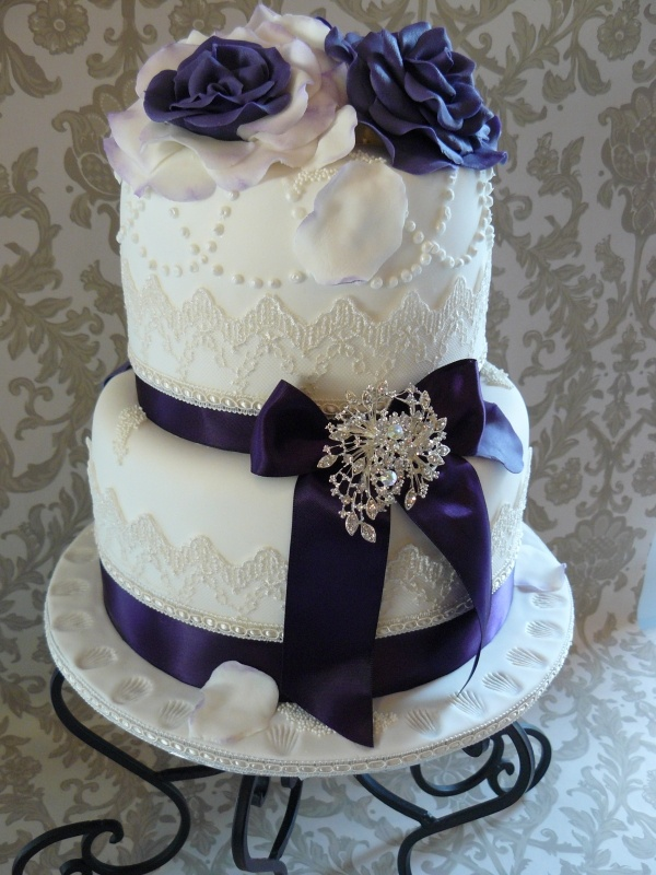 Plum Passion Vintage Cake. Can I just say WOW!