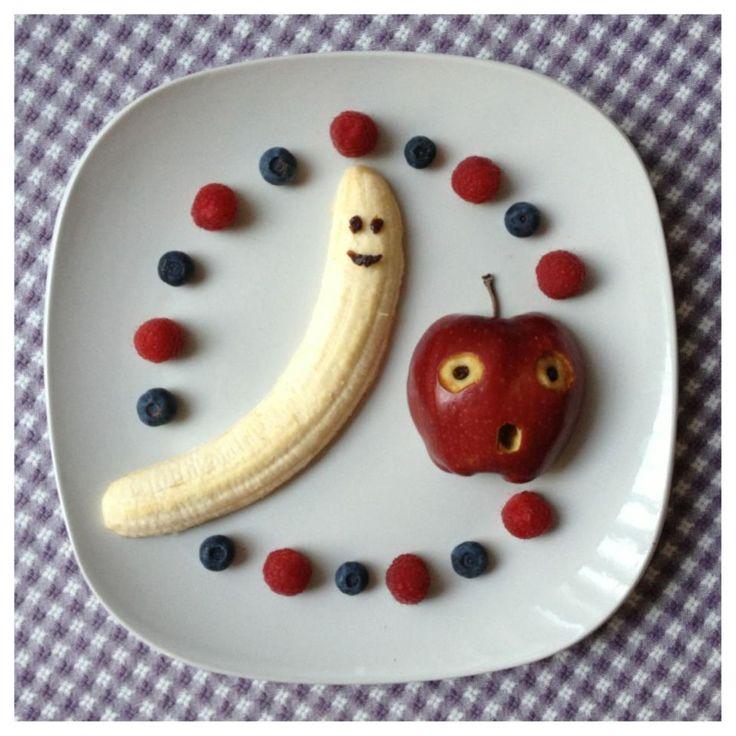 Кто банан с яблоком сочетает, тот у докторов не бывает. Простой рецепт, полезный и сытный ланч для детей.