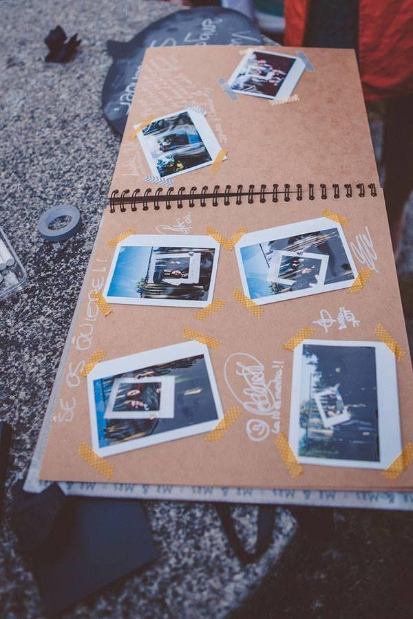 Il guestbook è il libro che raccoglie le dediche degli invitati o qualunque tipo di segno che ricordi e testimoni la loro presenza nel giorno del nostro matrimonio. È un elemento importante dei preparativi perché è una parte delle nozze che coinvolge amici e parenti e li fa sentire protagonisti in prima persona dell'evento.