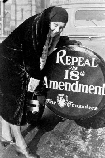 A tire cover calling for the repeal of prohibition, photo by underwood and underwood c.1930