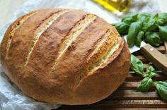Aprende a preparar pan casero esponjoso con esta rica y fácil receta.  En esta ocasión quiero compartir con todos vosotros una de mis recetas favoritas de pan, la de...
