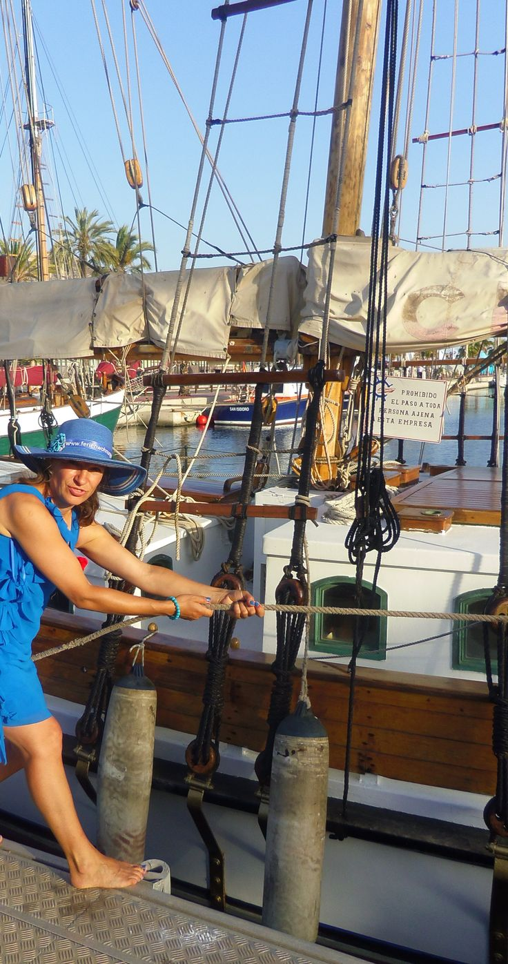 Sailboats moored in #Cartagena are so beautiful, they trigger an acute cleptomanic attack by the Blue Lady. http://www.ferienwohnungen-spanien.de/Costa-Calida/artikel/cartagena-hafenstadt-mit-flair