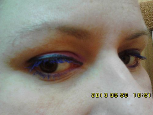 purple eyeliner and purple mascara