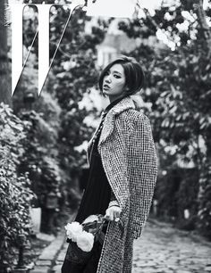 7 Seductive photos of Park Shin Hye in Paris