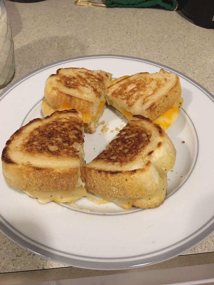 Five cheese Texas Toast garlic bread with Colby jack and provolone cheese! #grilledcheese #food #yum #foodporn #cheese #sandwich #recipe #lunch #foodie