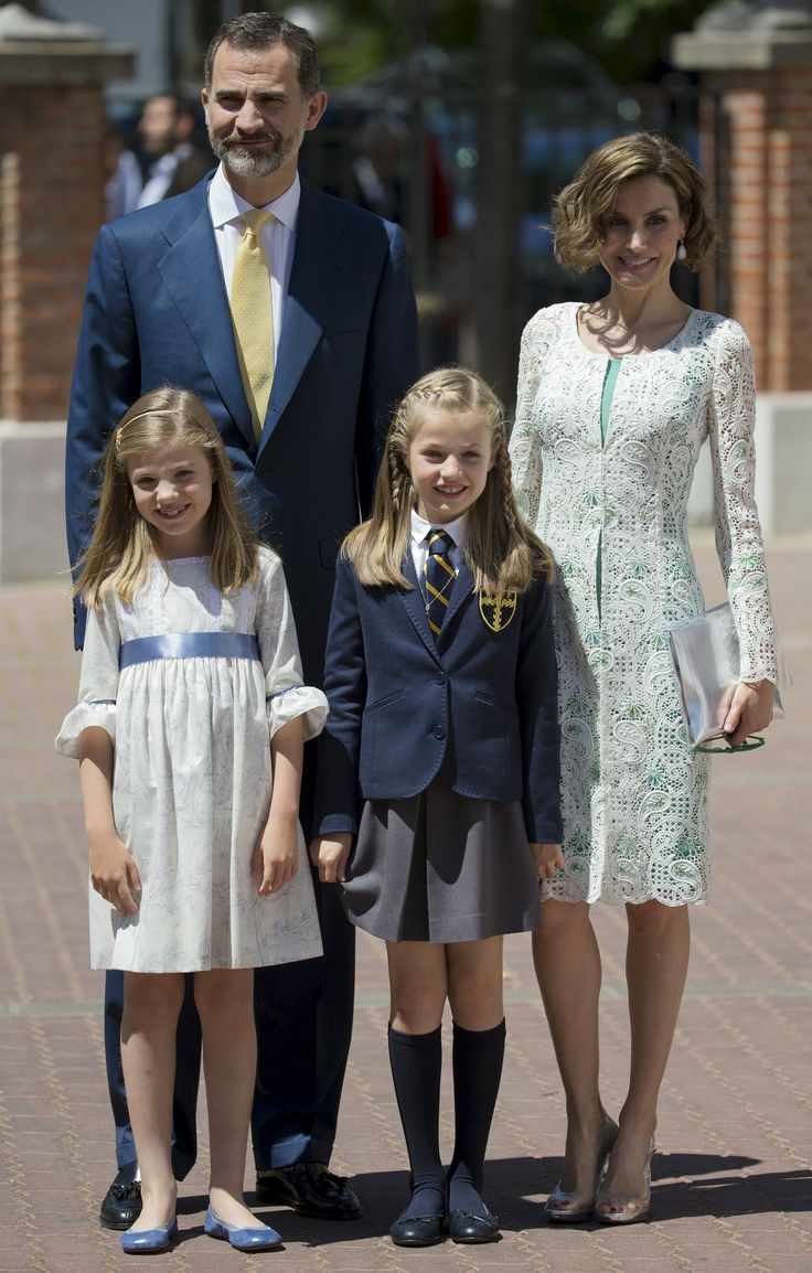 MyRoyals:  First Communion of Infanta Leonor, Infanta de los Asturias, May 20, 2015-King Felipe and Queen Letizia with Infanta Sofía and Infanta Leonor