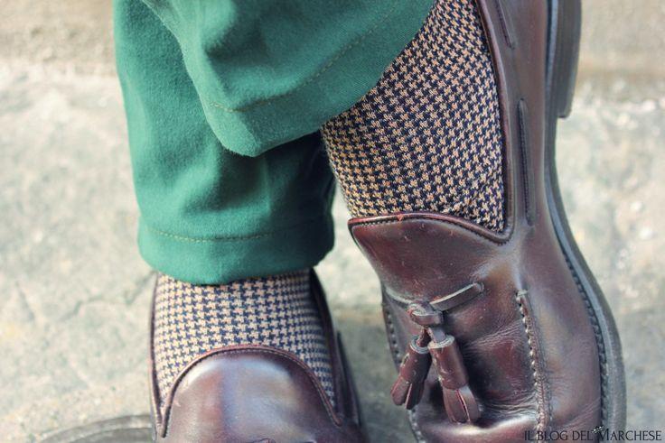 calze_da_uomo_di_moda_per_autunno_inverno_2015_2016 http://www.ilblogdelmarchese.com/mens-trends-for-autumn-winter-2015-2016/ #ilblogdelmarchese #gentleman #italianstyle #menswear #menstyle #gransasso #shaftjeans #altomilano #sockes #trousers #modauomo #modamasculina #mensfashion #fashionblogger #mensoutfits #pittiuomo #firenze #sprezzatura