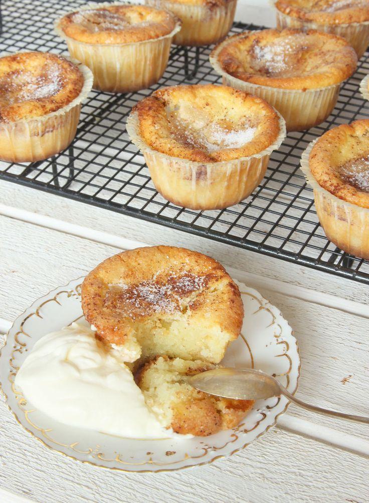 Superläckra, lätt kladdiga muffins med smak av kanelbulle.
