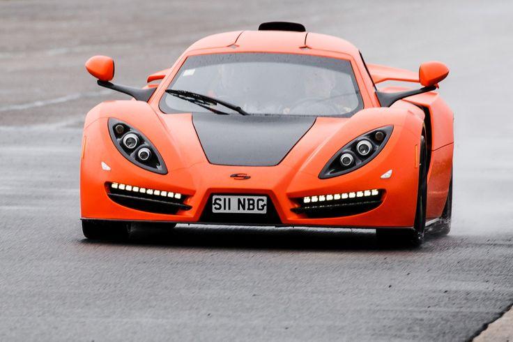 Болгарский суперкар Sin R1 выходит на рынок по цене всего 70 тысяч фунтов. Его создатель Розен Даскалов настроен оптимистично. Он намерен поставить покупателями первые экземпляры уже к концу 2014 года, а сборочное предприятие в болгарском городе Русе готово производить до 120 машин ежегодно.